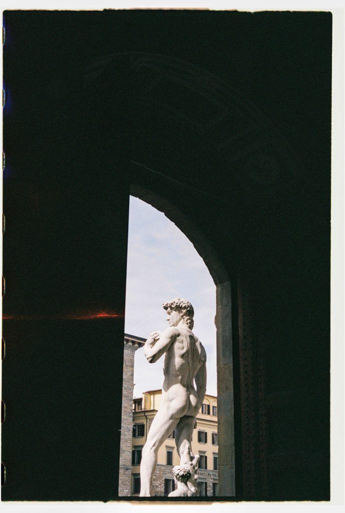 standbeelden in florence, italië
