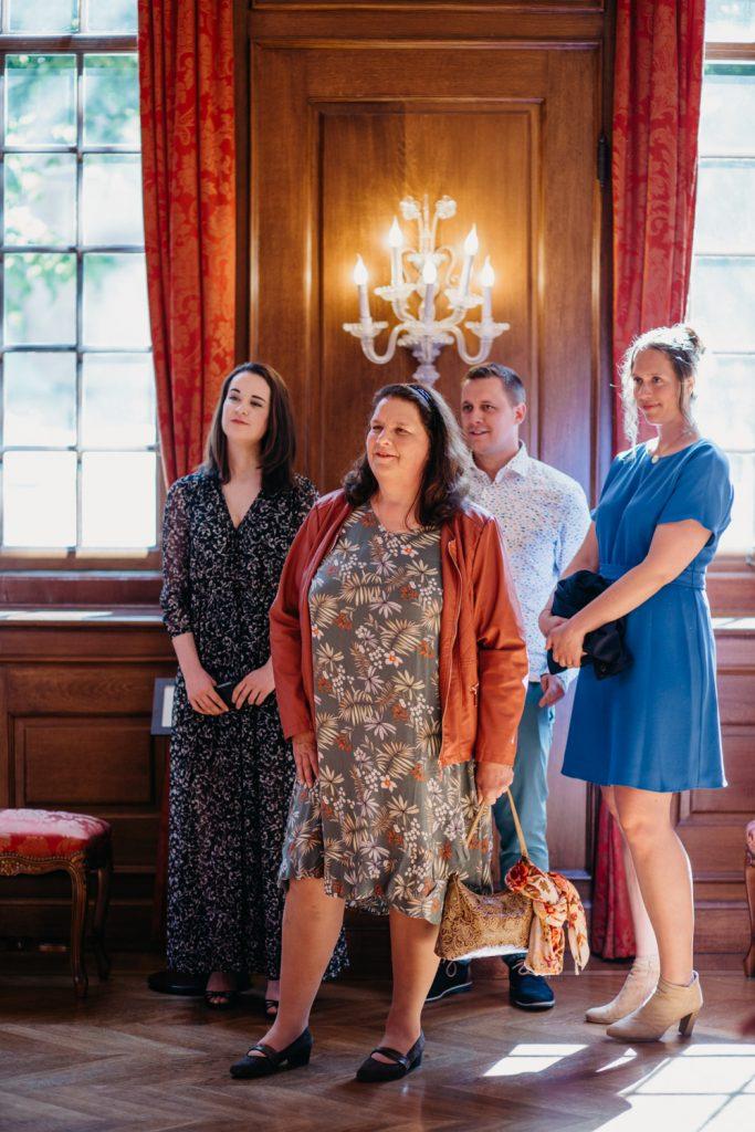 familie wacht zaal in het oude stadhuis, den haag
